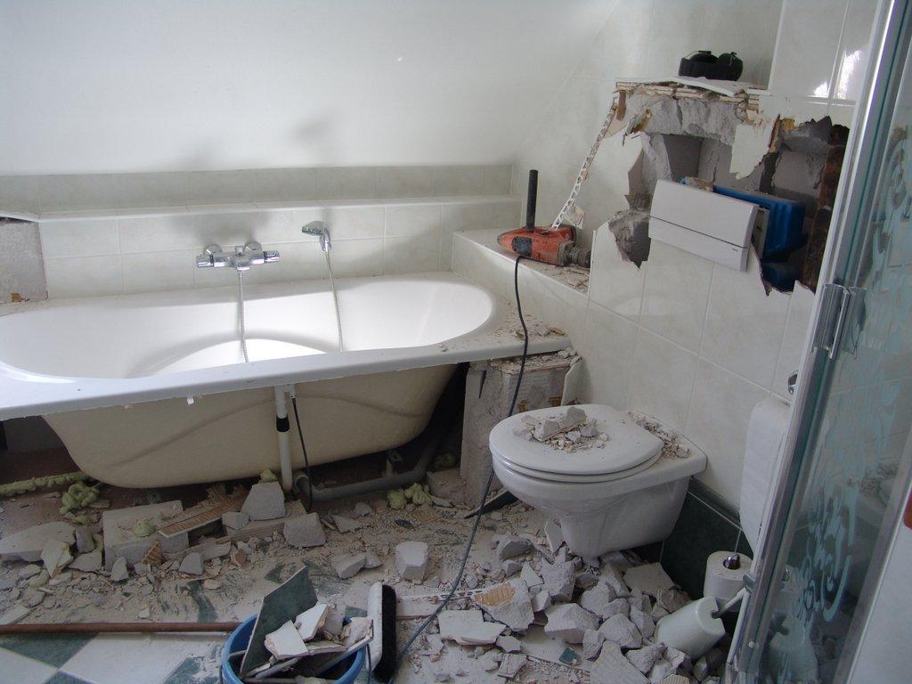 Badkamer Met Dakkapel : Werner kruijer plaatsen dakkapel verbouw badkamer stroet